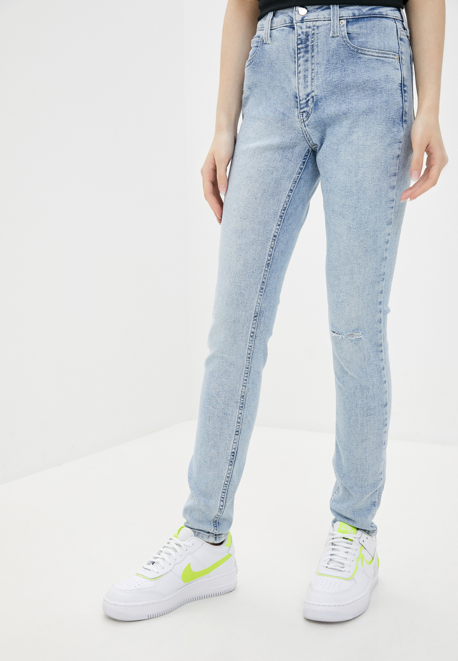Зауженные джинсы Calvin Klein Jeans J20J213895