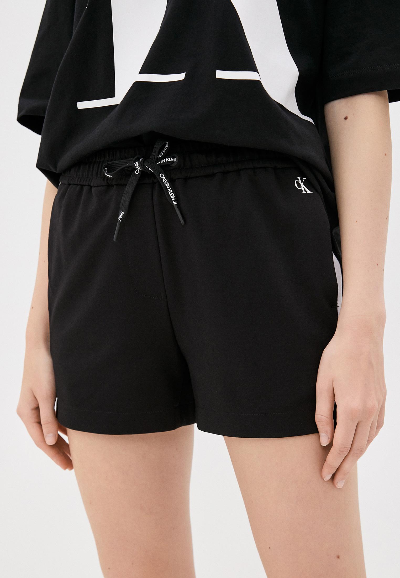 Женские спортивные шорты Calvin Klein Jeans J20J213593