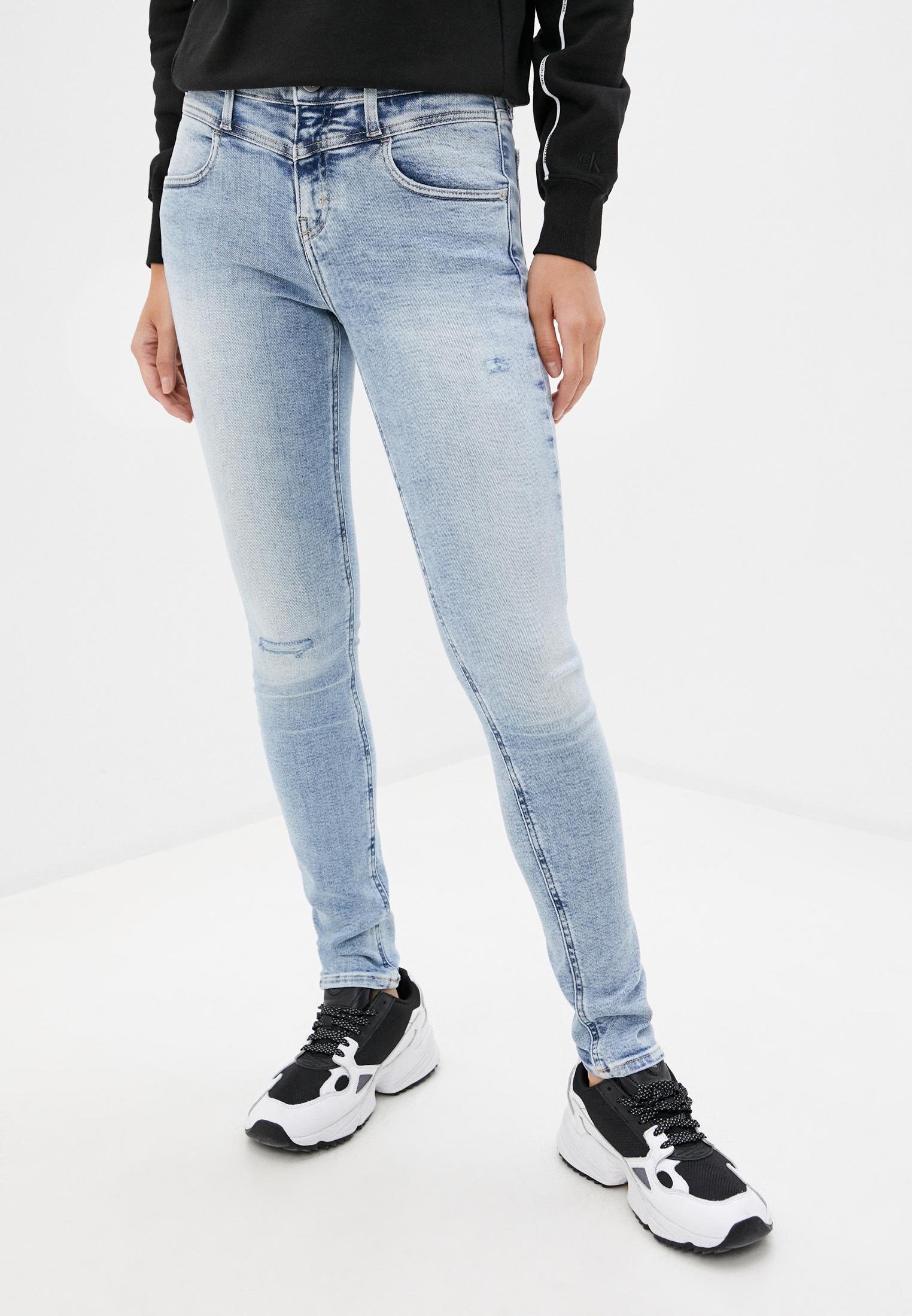 Зауженные джинсы Calvin Klein Jeans J20J213988