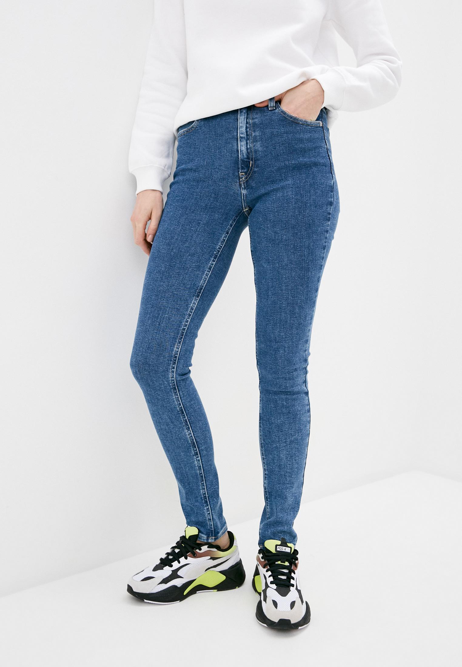 Зауженные джинсы Calvin Klein Jeans J20J215787