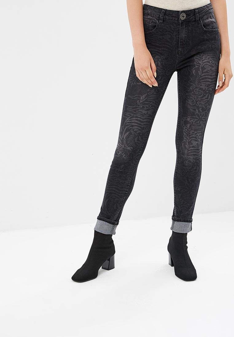 Зауженные джинсы Desigual (Дезигуаль) 18WWDD05