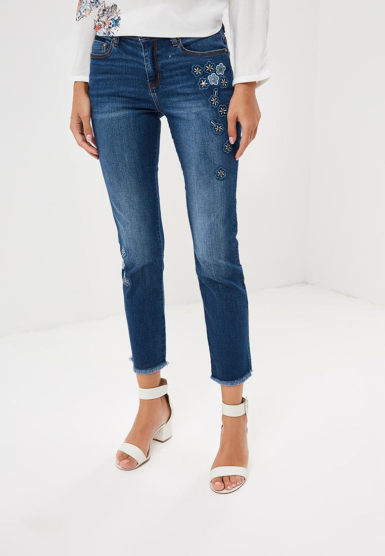Зауженные джинсы Desigual (Дезигуаль) 18WWDD26