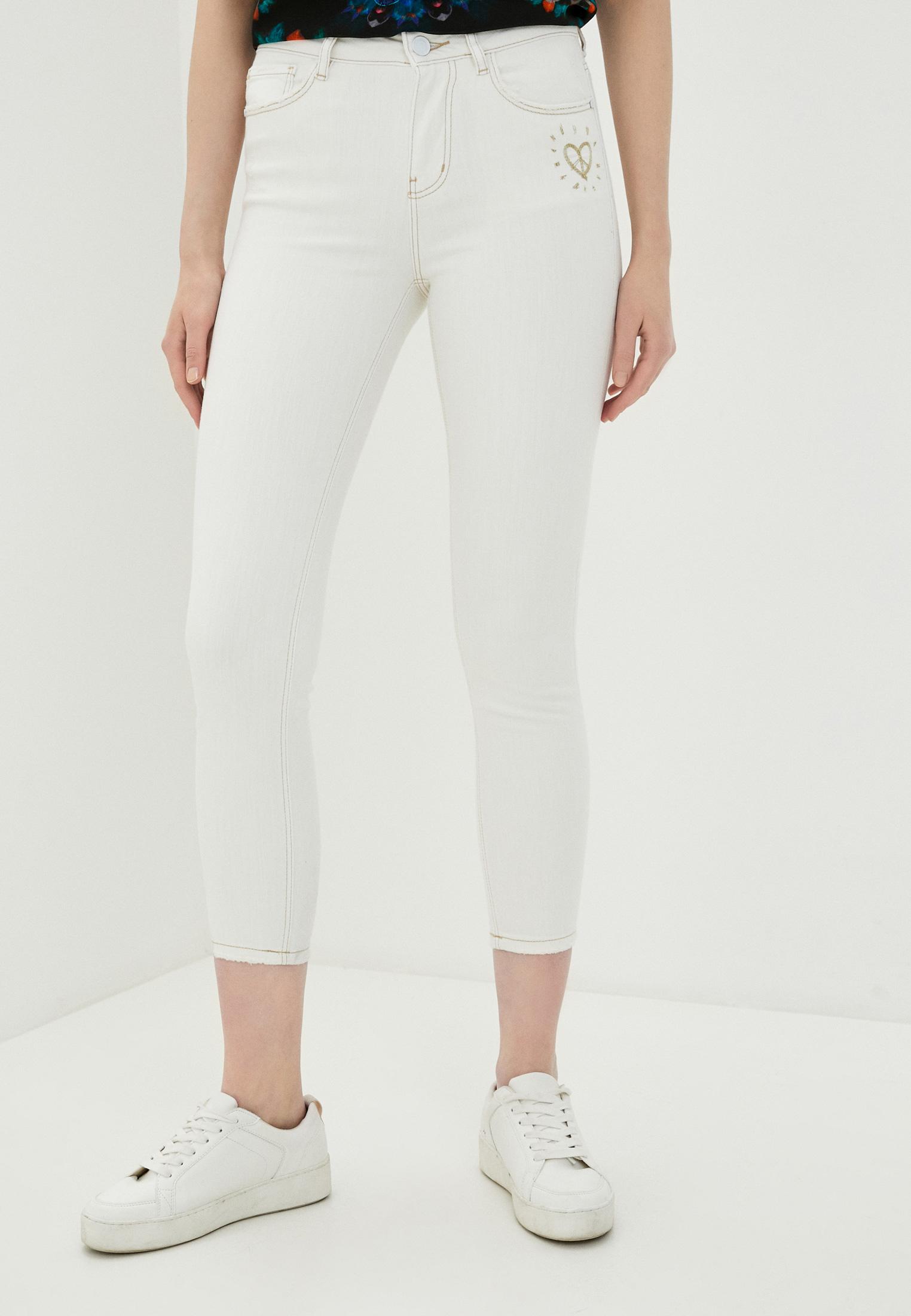 Зауженные джинсы Desigual (Дезигуаль) 20SWDD40