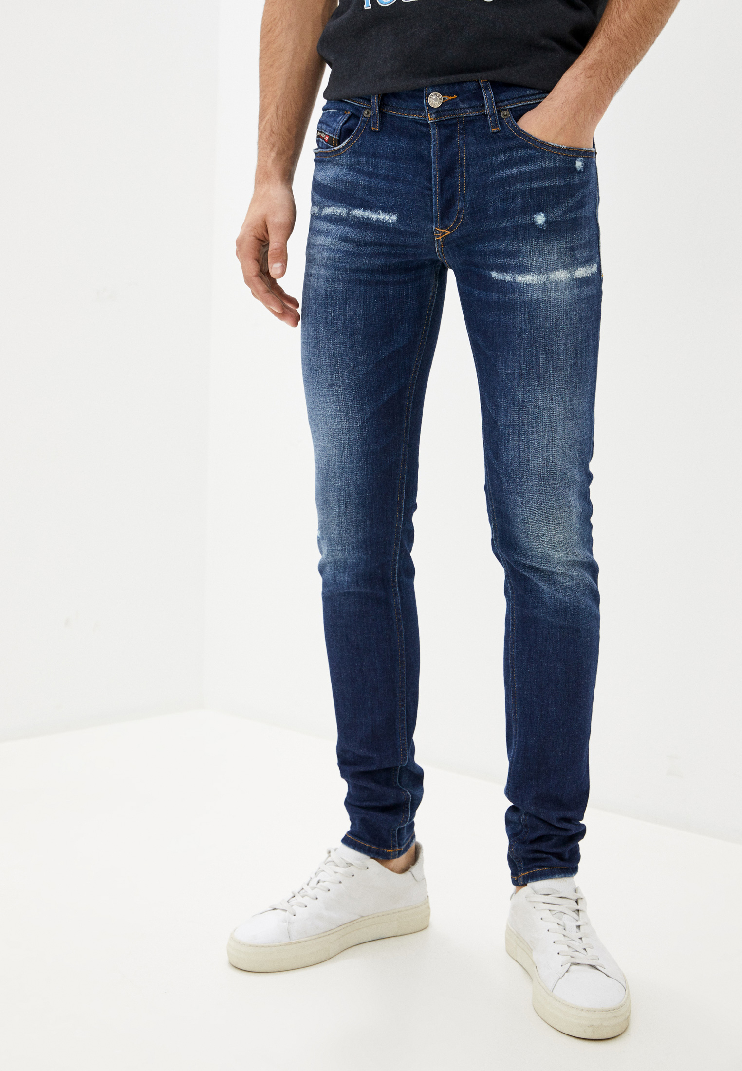 Зауженные джинсы Diesel (Дизель) 00SWJF084AJ