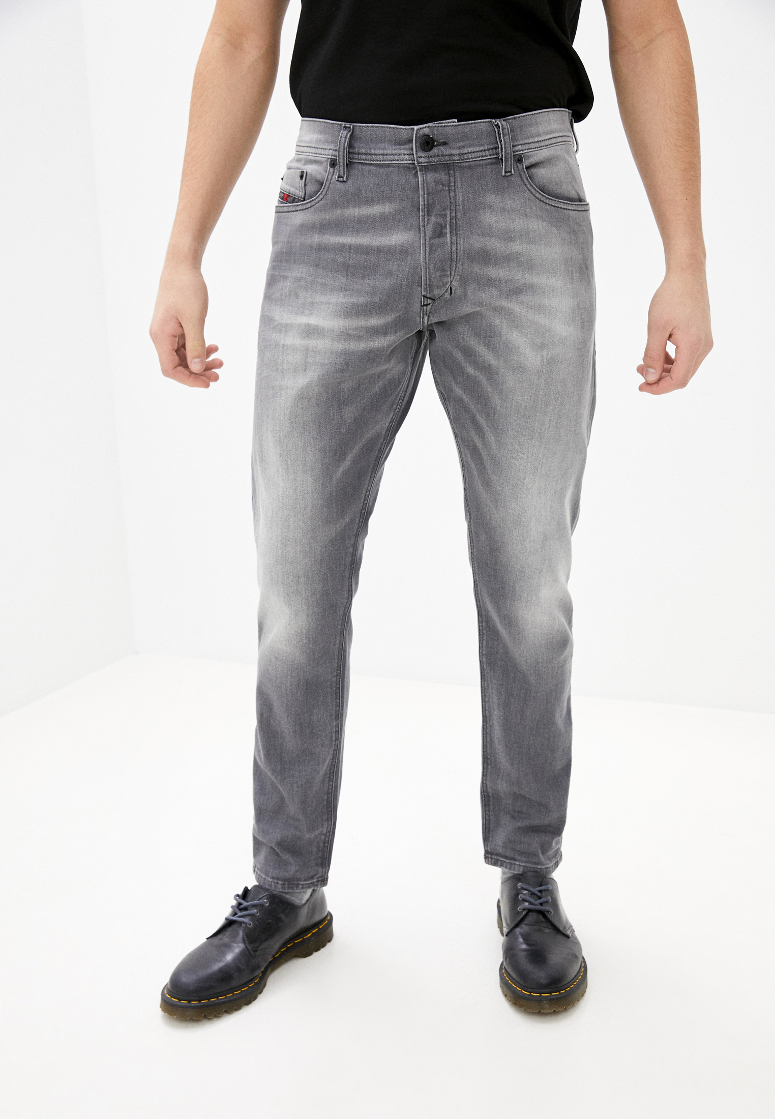 Мужские зауженные джинсы Diesel (Дизель) 00CKRH084HP