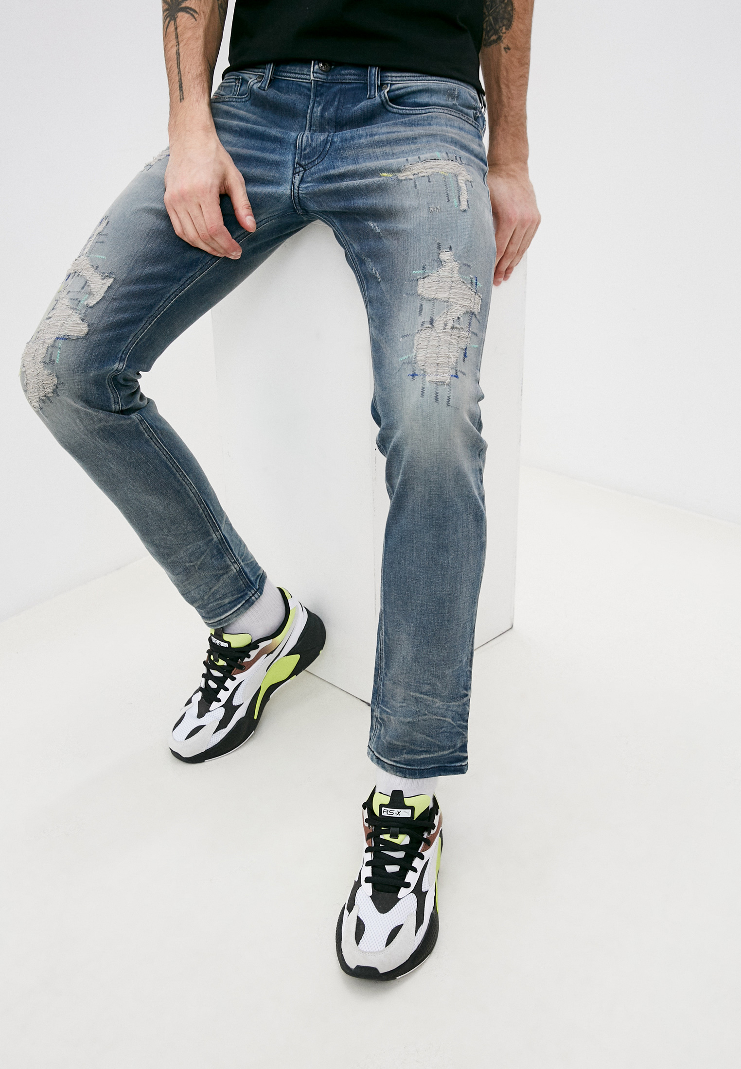 Мужские зауженные джинсы Diesel (Дизель) 00SECGR4DG8
