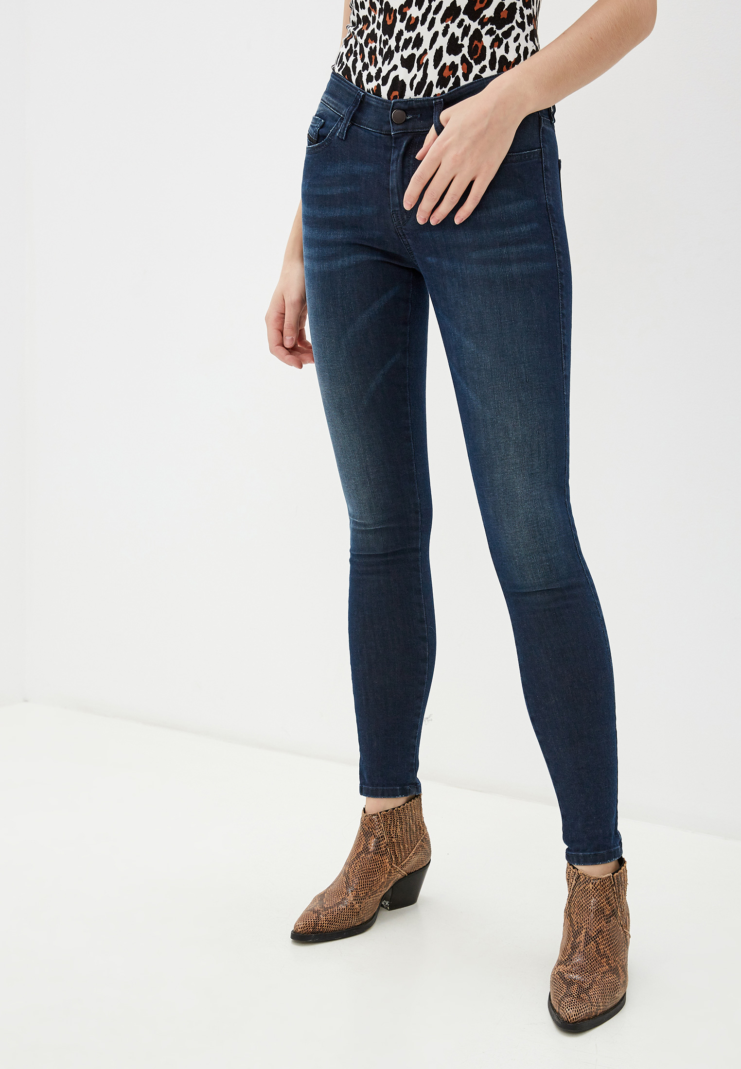 Зауженные джинсы Diesel (Дизель) 00SXJN0681G
