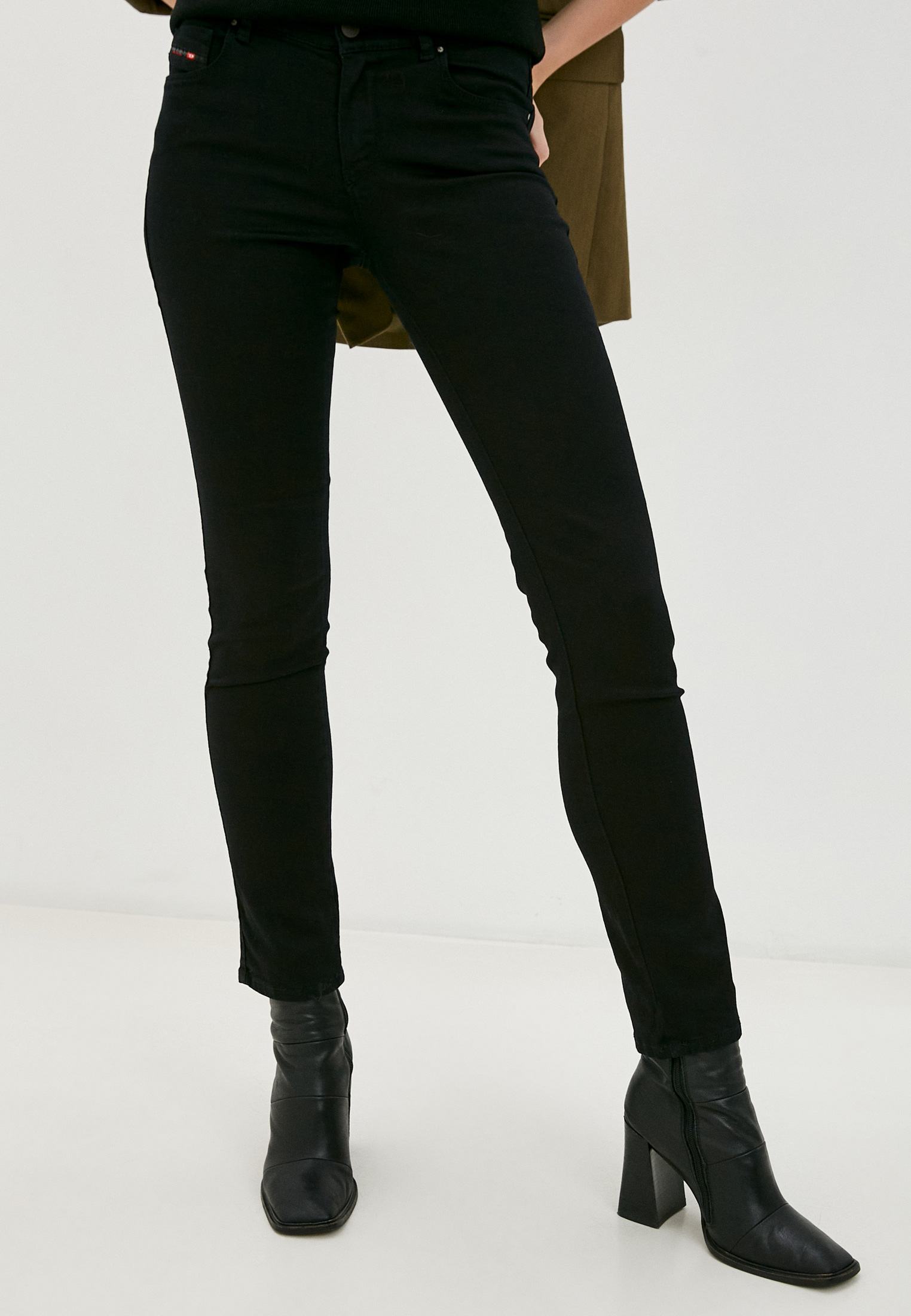 Зауженные джинсы Diesel (Дизель) 00SFXN0800R
