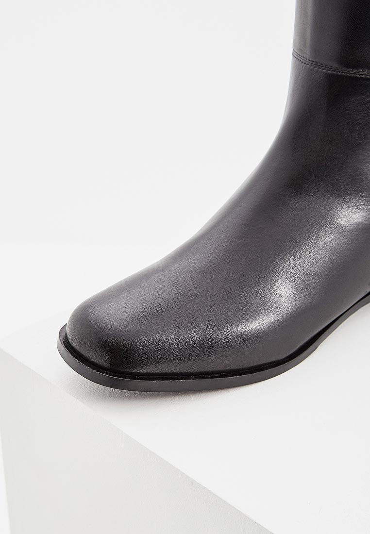 Emporio armani кожаные сапоги замшевые текстильные замшевая ткань, без аппликаций, одноцветное изделие, скругленный носок, квадратный каблук, внутри кожа, кожаная подошва, содержит нетекстильные части животного происхождения.