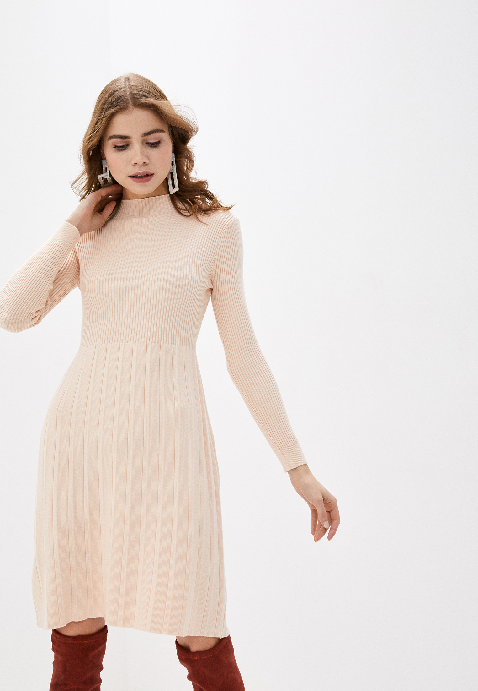 Вязаное платье Fadas 782