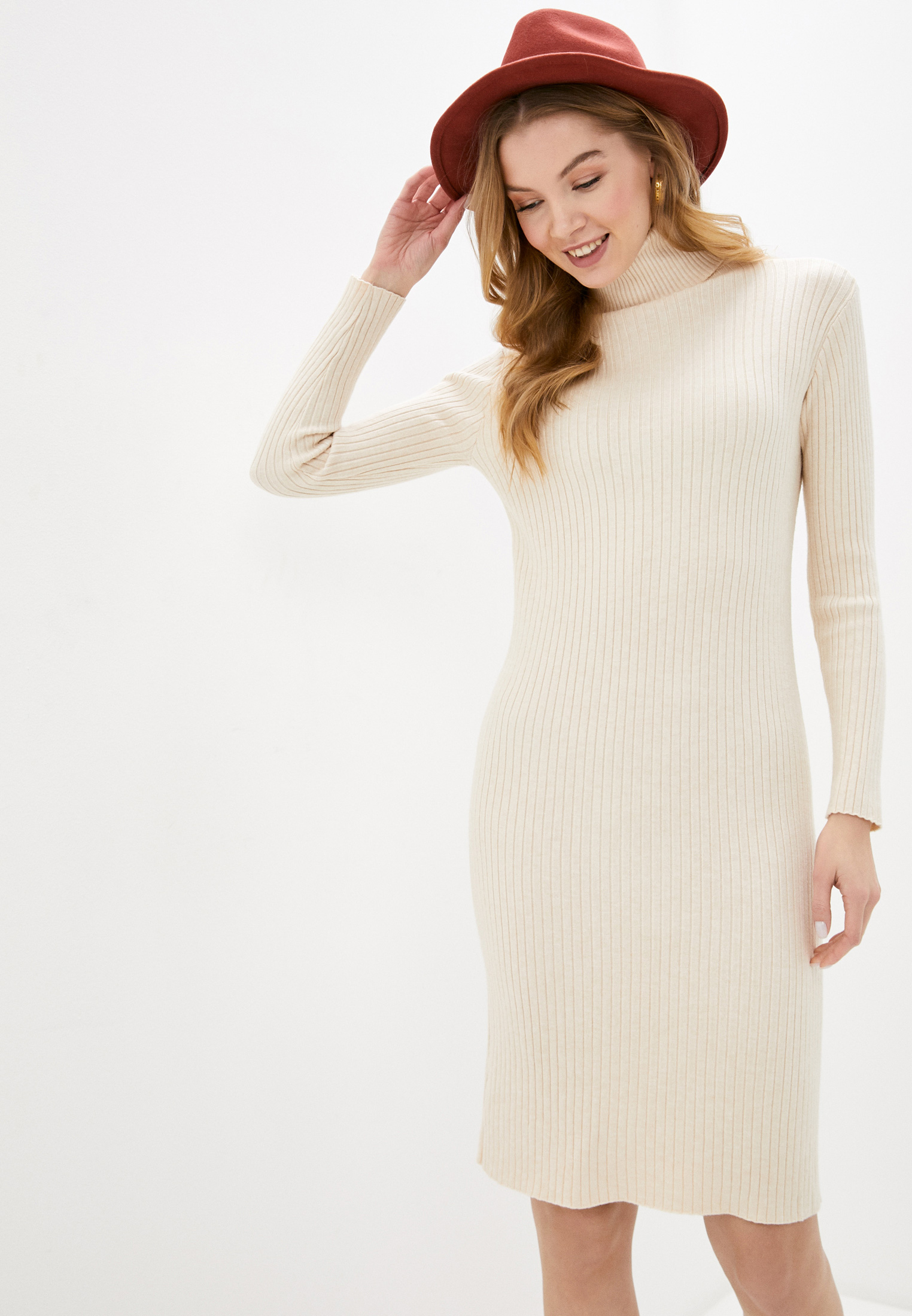 Вязаное платье Fadas D023