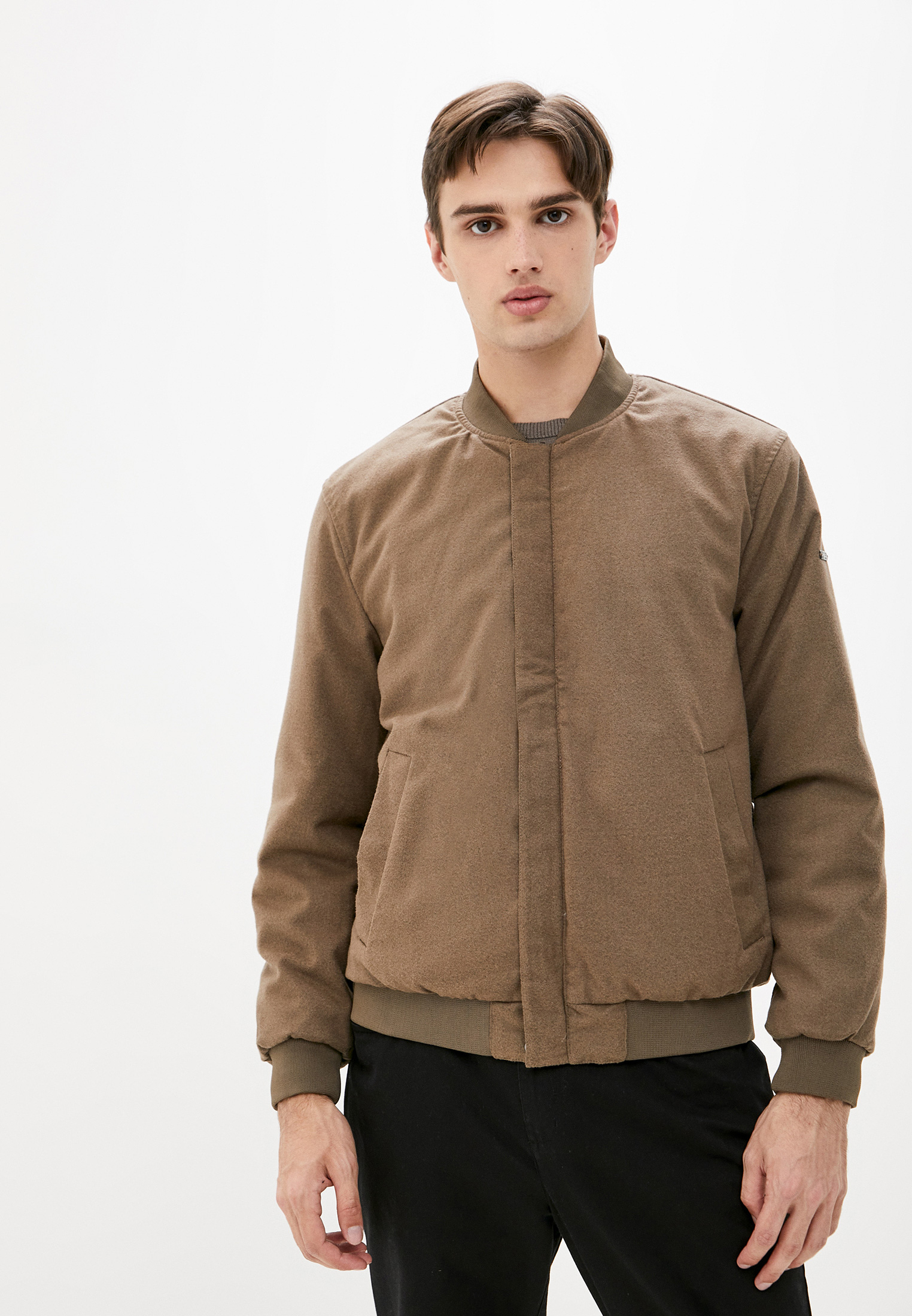Куртка Finn Flare (Фин Флаер) B18-21001