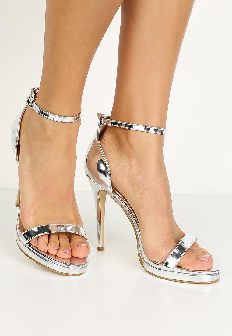 Красивые ступни в босоножках фото