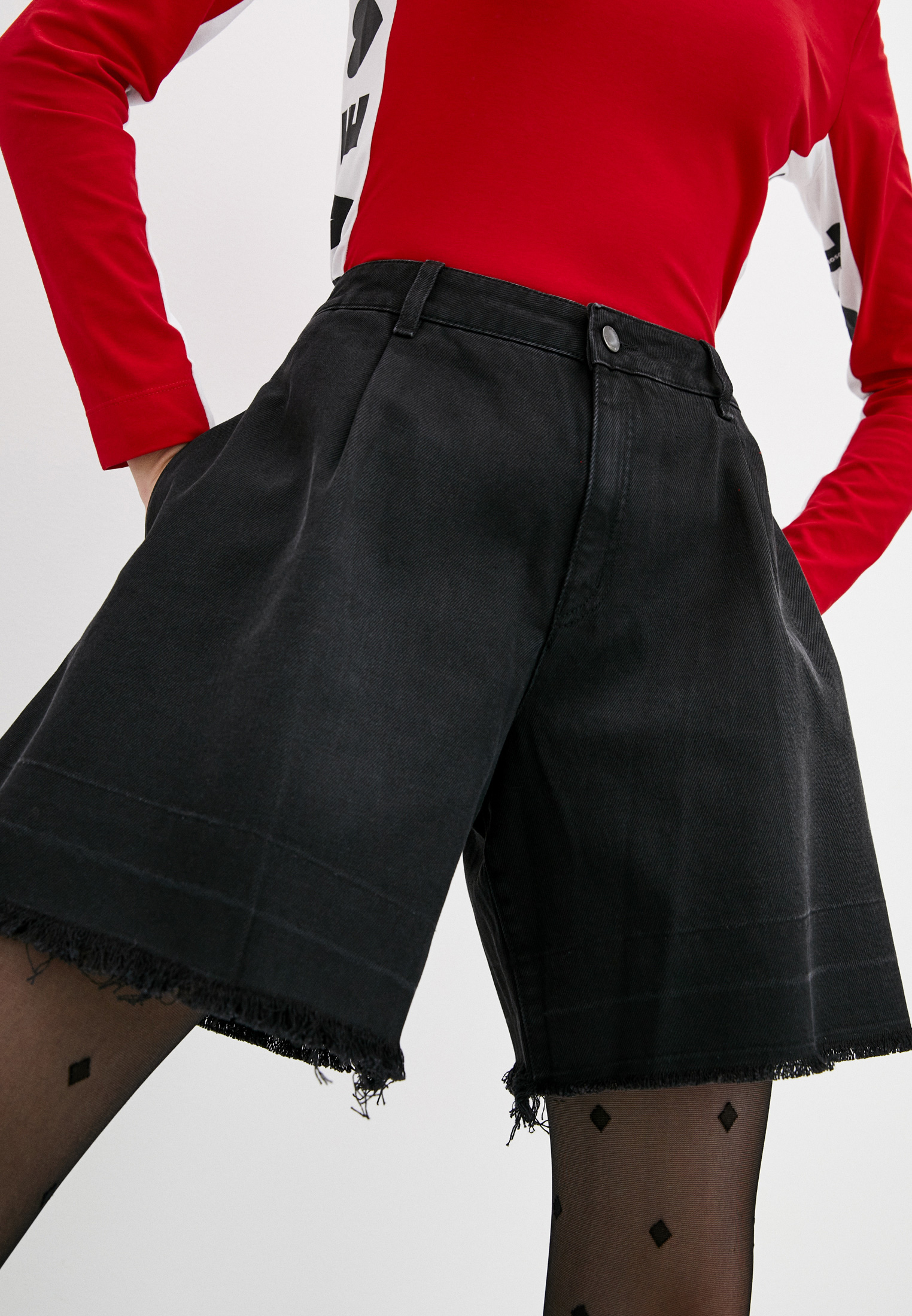 Женские джинсовые шорты Love Moschino W O 114 72 T 9532