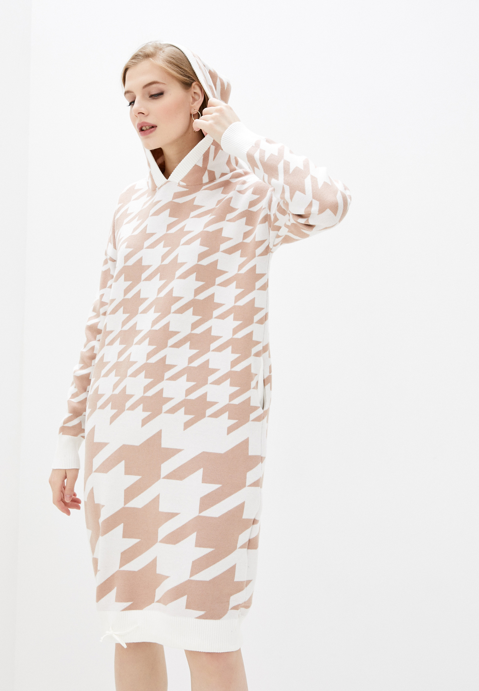 Вязаное платье Nerouge N065