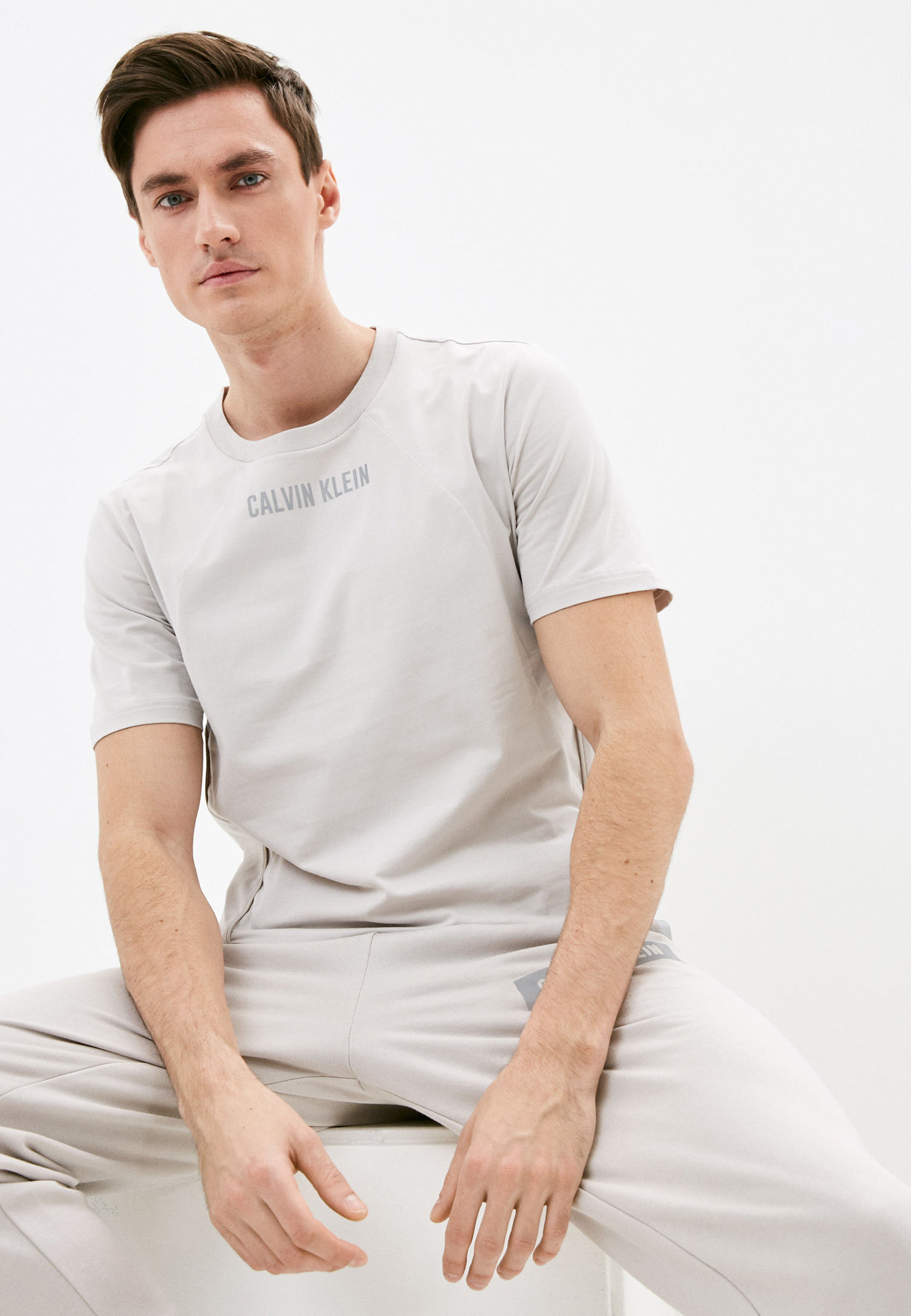 Футболка Calvin Klein Performance 00GMS1K136