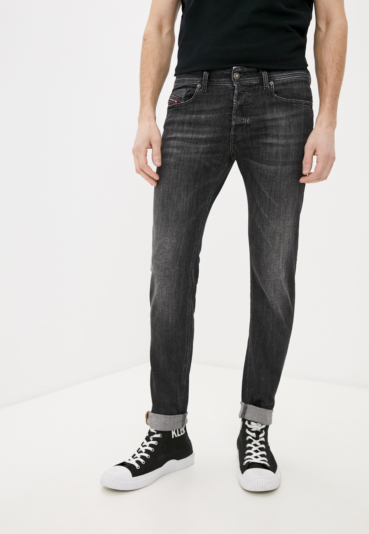 Мужские зауженные джинсы Diesel (Дизель) 00SWJF084AT