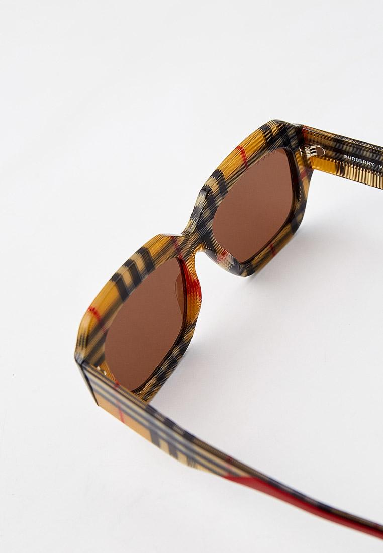 Женские солнцезащитные очки Burberry 0BE4334: изображение 3