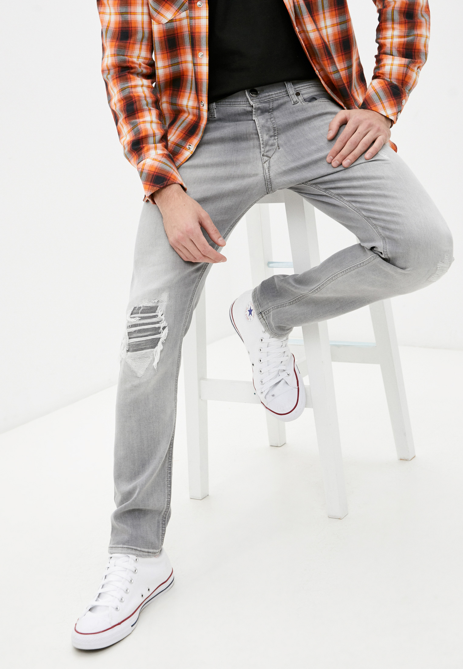 Мужские зауженные джинсы Diesel (Дизель) 00CKRH0687W