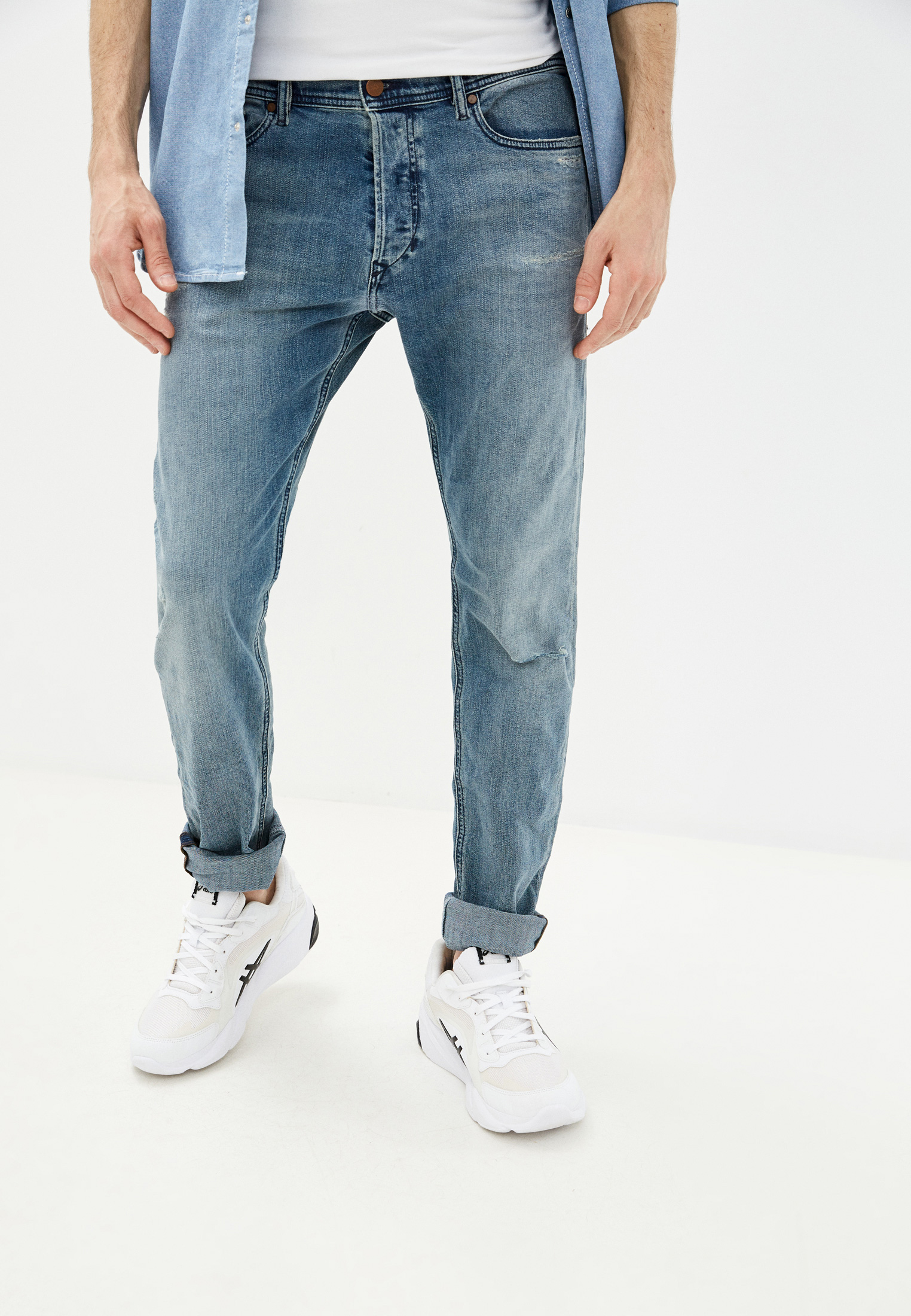 Мужские зауженные джинсы Diesel (Дизель) 00CKRJ084VI