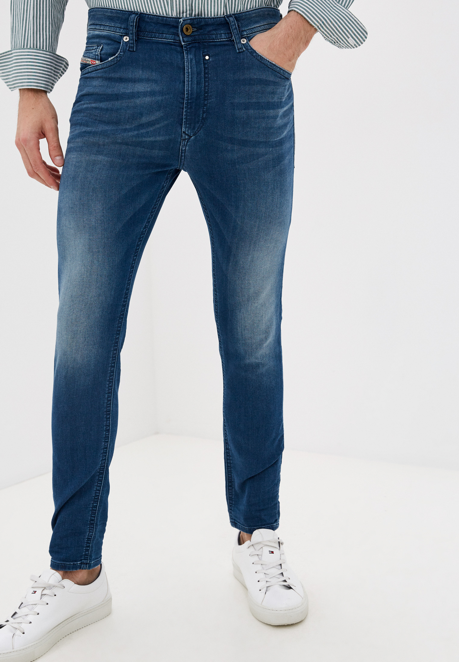Мужские зауженные джинсы Diesel (Дизель) 00SFE3069HC