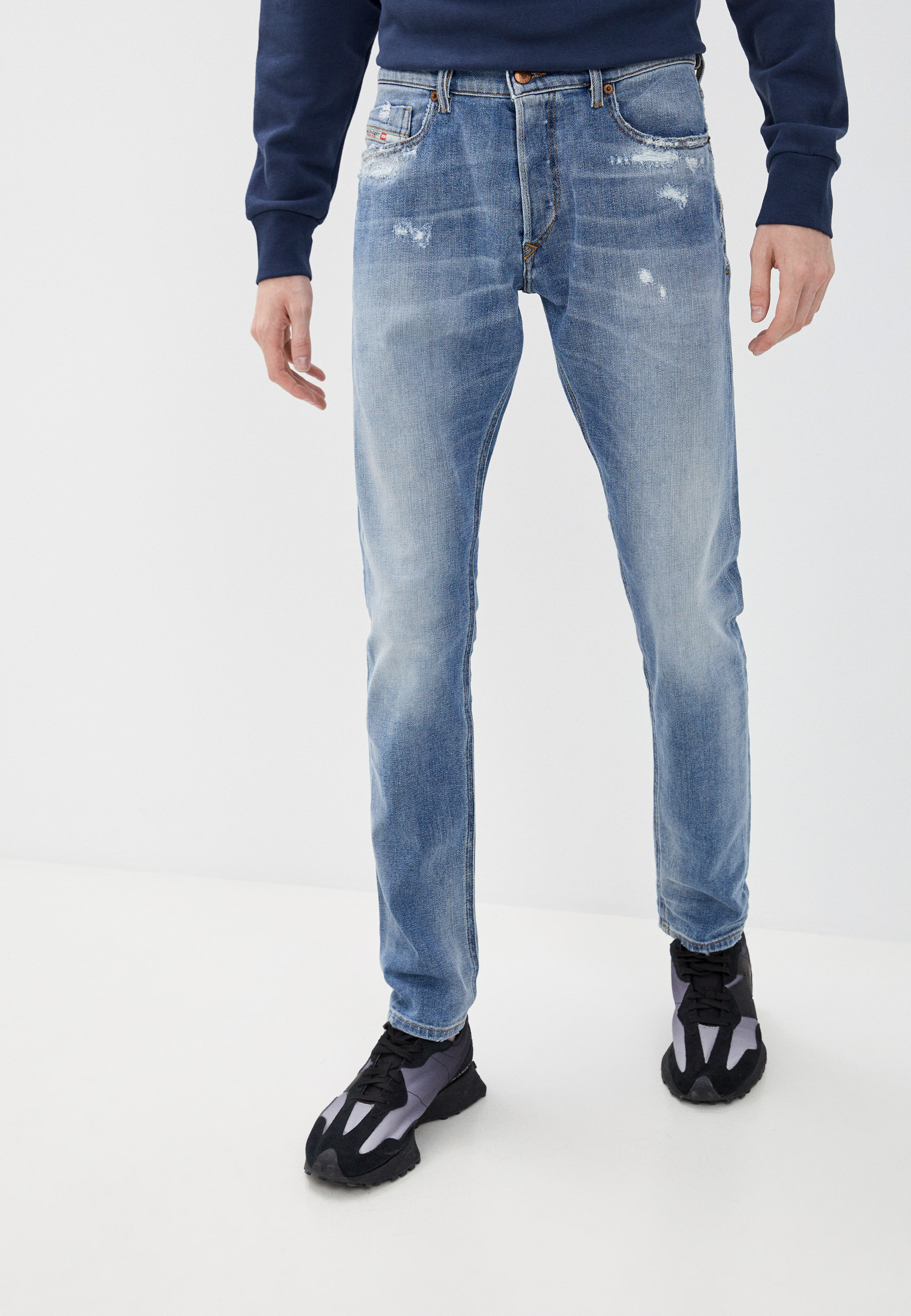 Мужские зауженные джинсы Diesel (Дизель) 00SWID009BU
