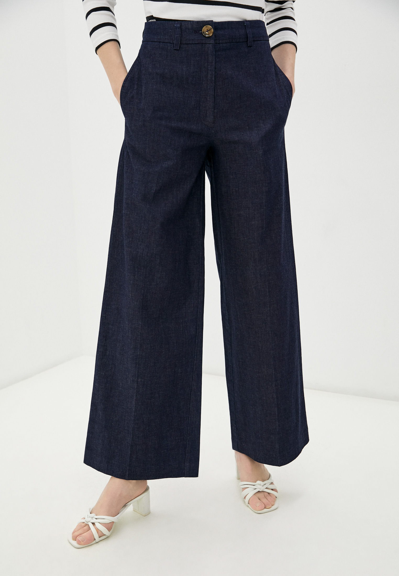 Широкие и расклешенные джинсы Marks & Spencer T596630