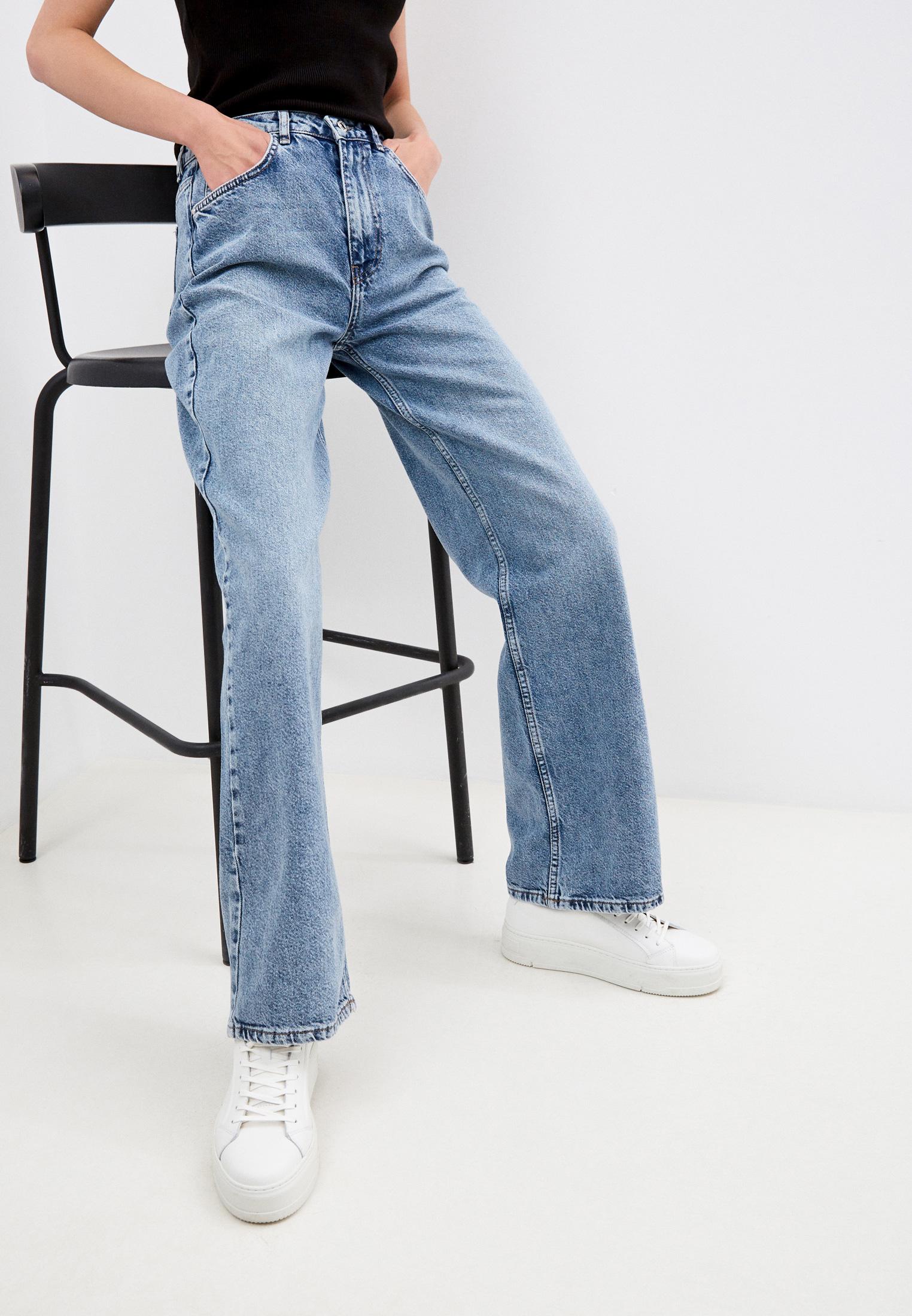 Широкие и расклешенные джинсы Trendyol TWOAW22JE0471