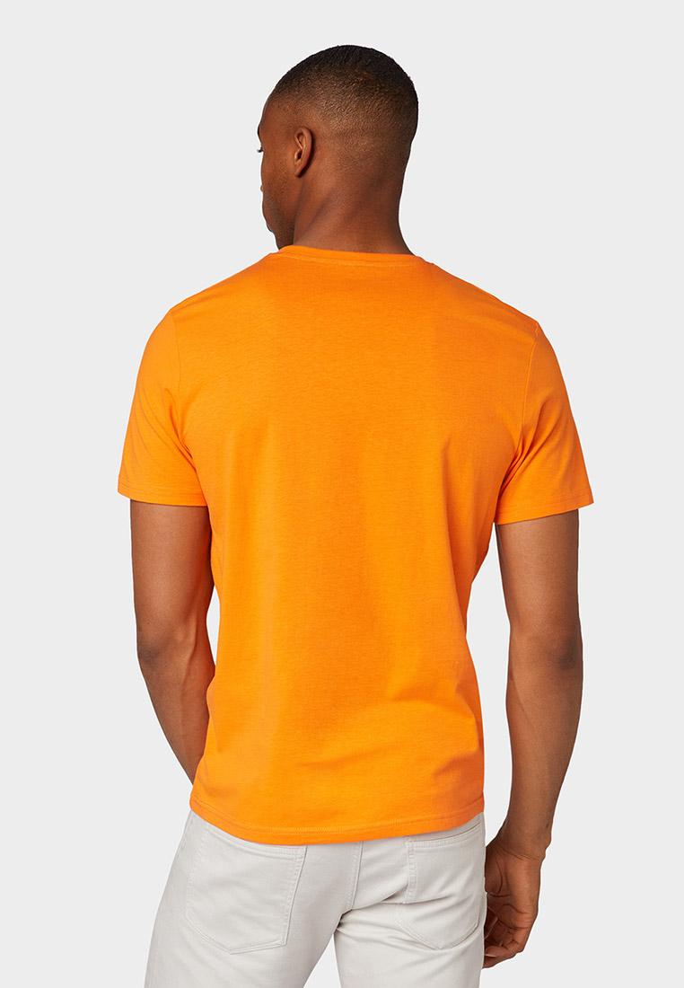 видим, футболка оранжевая с картинками меньше площадь