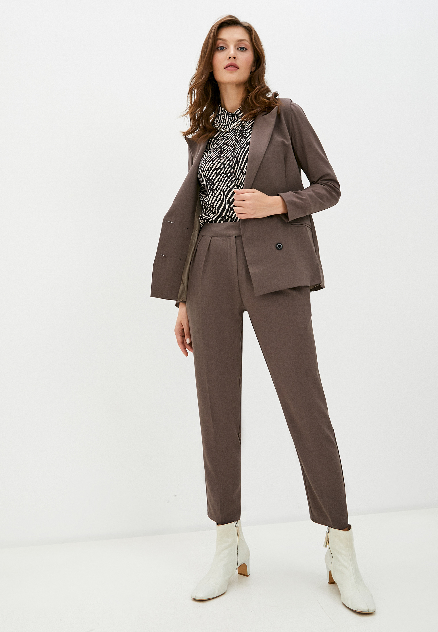 Костюм с брюками TrendyAngel ТАO20Т0037