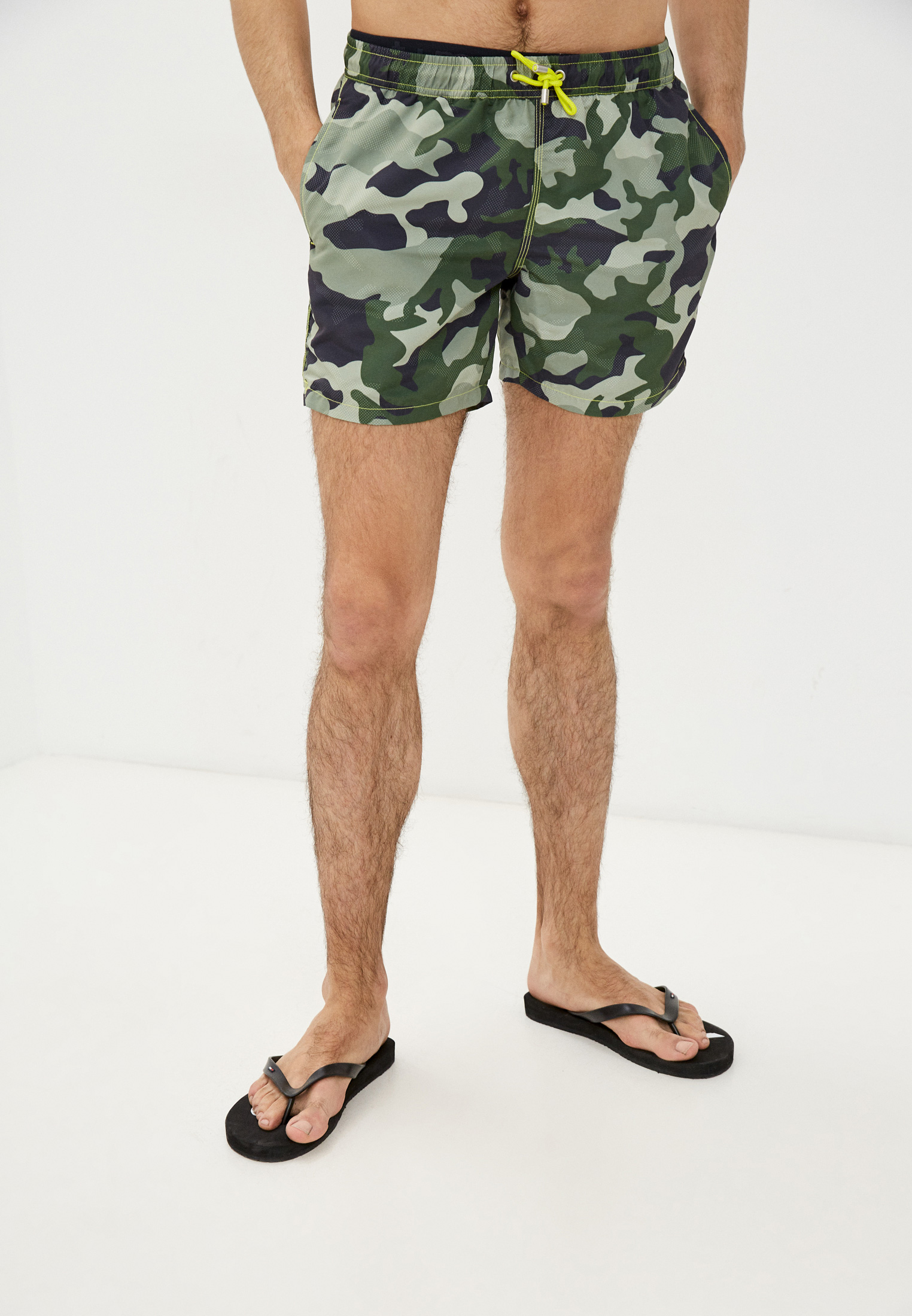 Мужские шорты для плавания United Colors of Benetton (Юнайтед Колорс оф Бенеттон) 5SY06X151