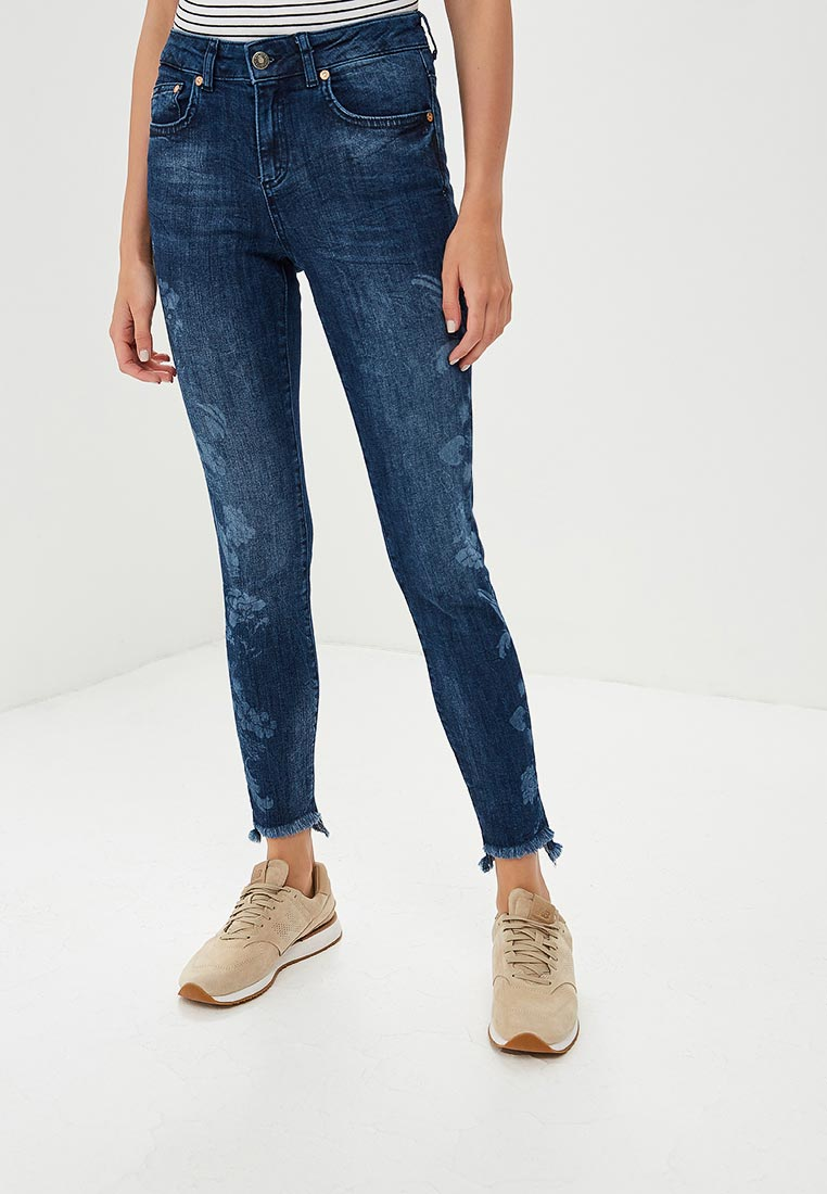 Зауженные джинсы United Colors of Benetton (Юнайтед Колорс оф Бенеттон) 4YK0573Q4