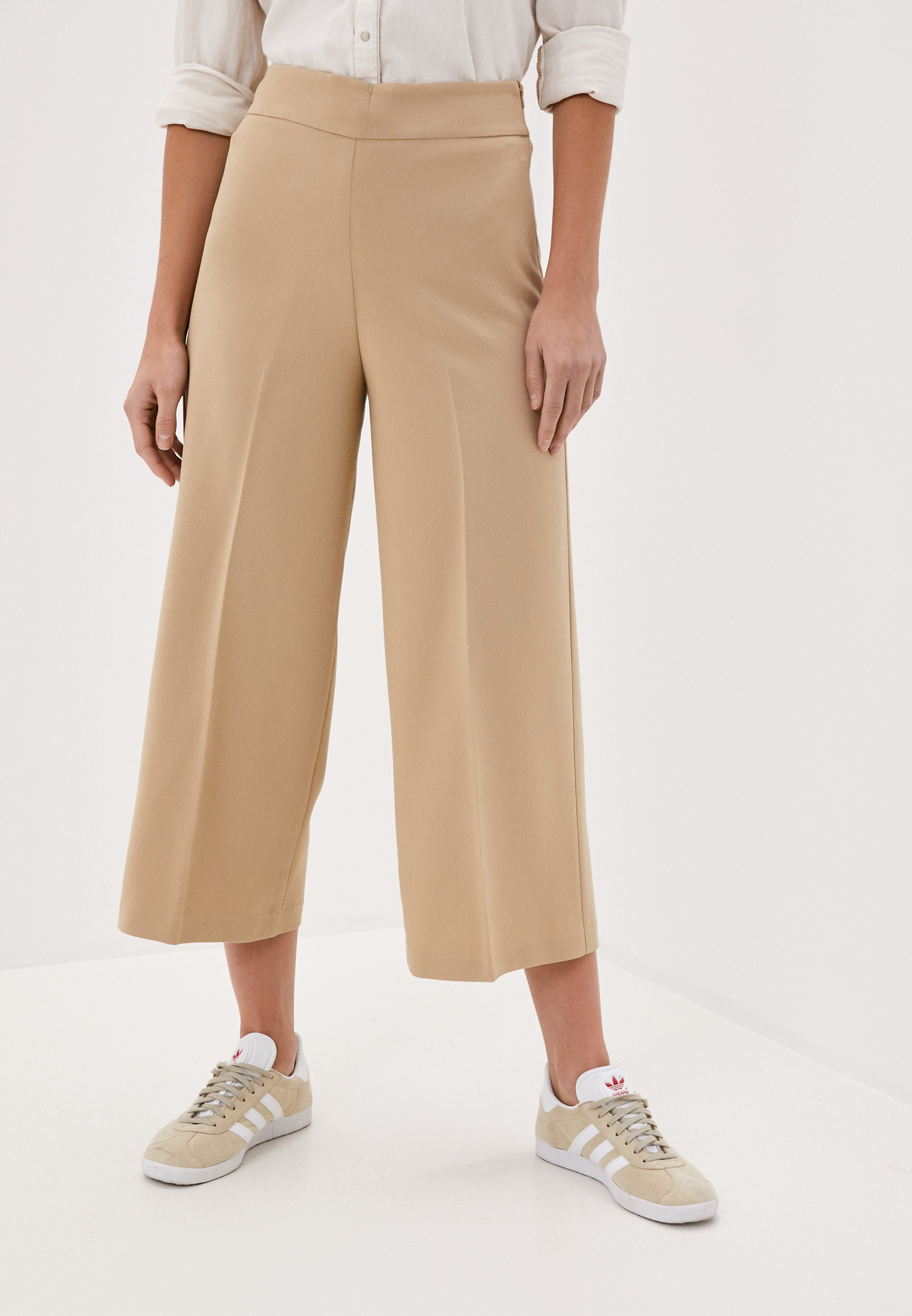Женские широкие и расклешенные брюки United Colors of Benetton (Юнайтед Колорс оф Бенеттон) 4XI6559D5