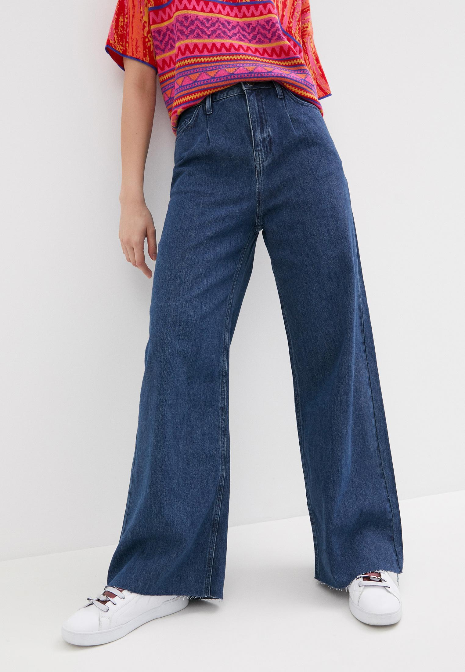 Широкие и расклешенные джинсы United Colors of Benetton (Юнайтед Колорс оф Бенеттон) 4ADL575B4
