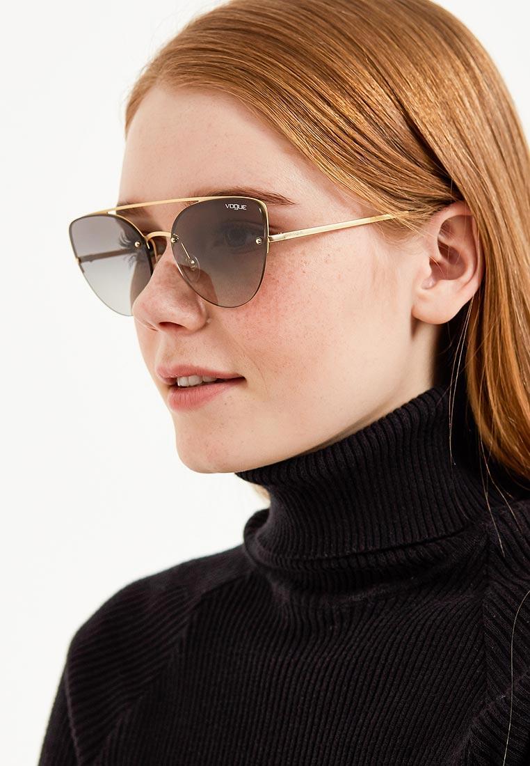 Женские солнцезащитные очки Vogue® Eyewear 0VO4074S: изображение 4