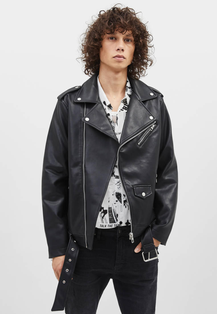 Куртка кожаная, Bershka, цвет: черный. Артикул: IX001XM003QT. Одежда / Верхняя одежда / Кожаные куртки