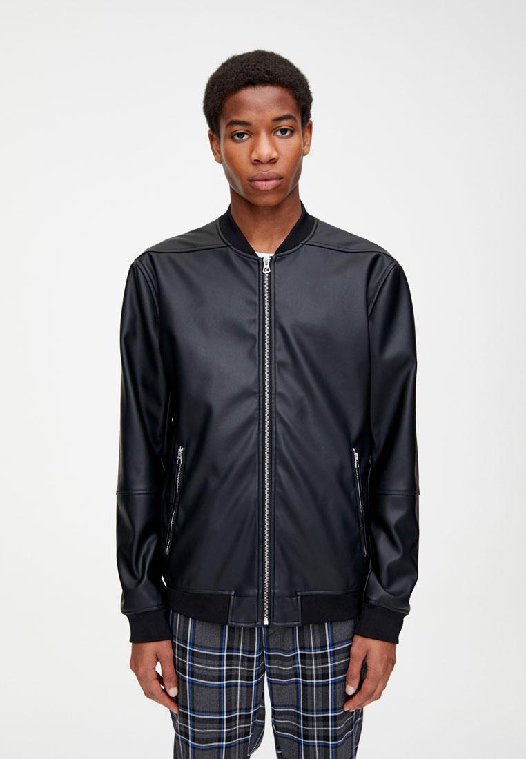 Куртка, Pull&Bear, цвет: черный. Артикул: IX001XM005L2. Одежда / Верхняя одежда / Кожаные куртки