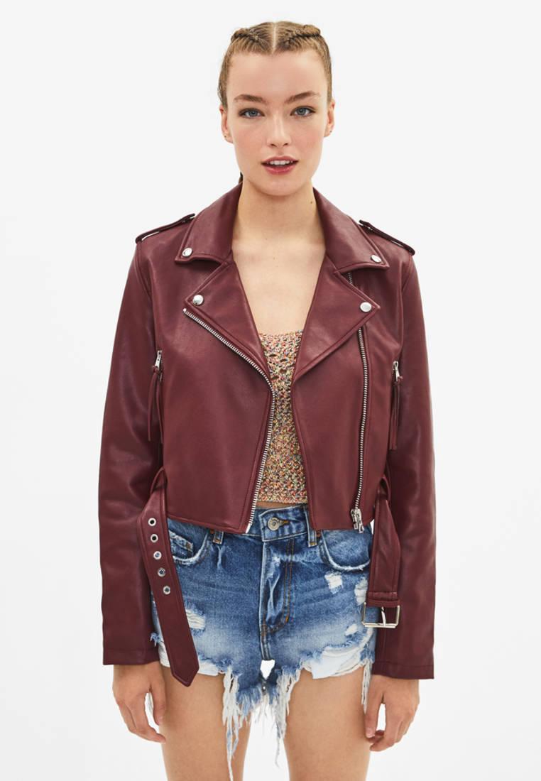 Куртка кожаная, Bershka, цвет: бордовый. Артикул: IX001XW00AJN. Одежда / Верхняя одежда / Косухи