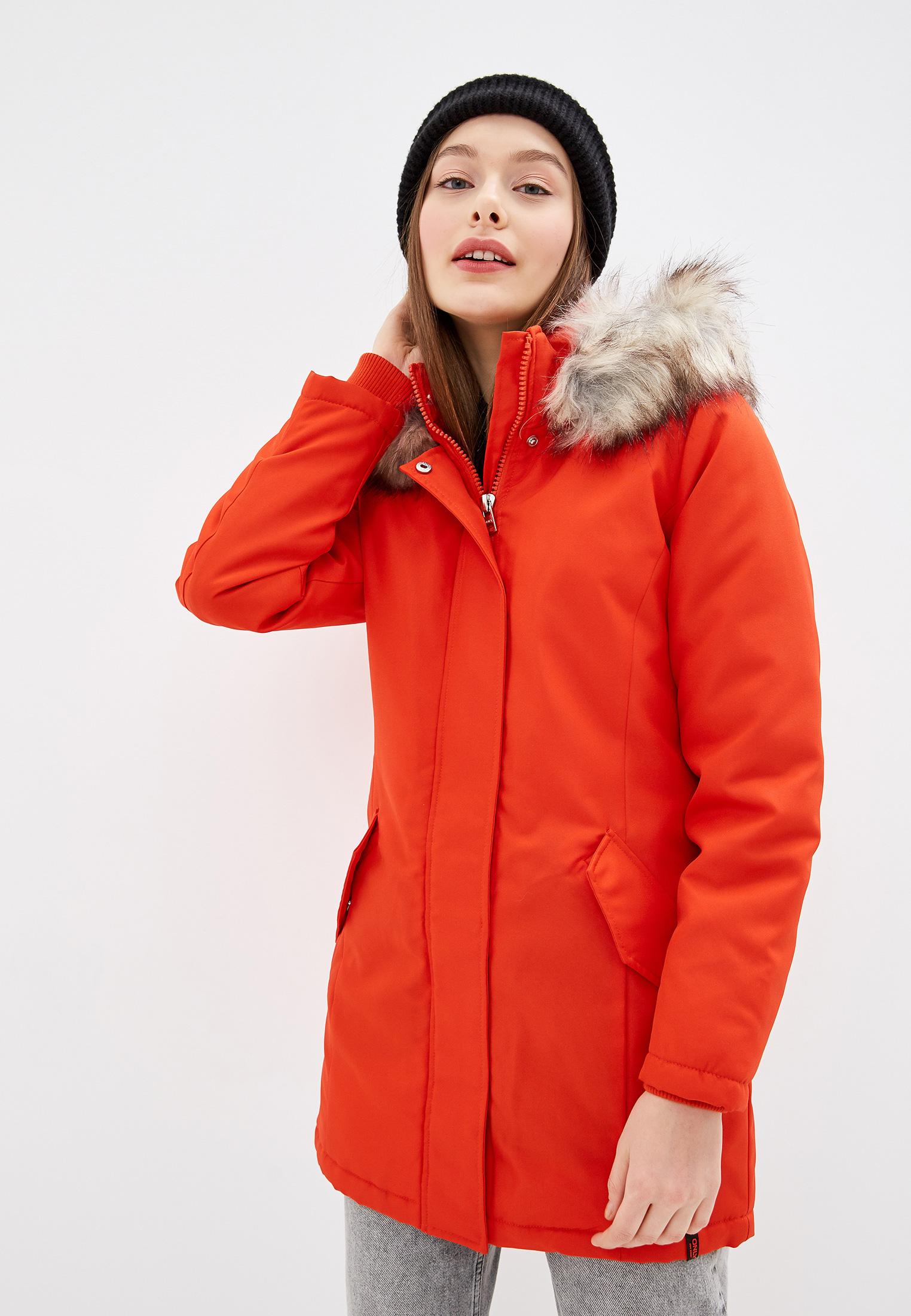 Парка, Only, цвет: красный. Артикул: ON380EWFPCM6. Одежда / Верхняя одежда